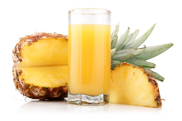 suco-detox-com-abacaxi